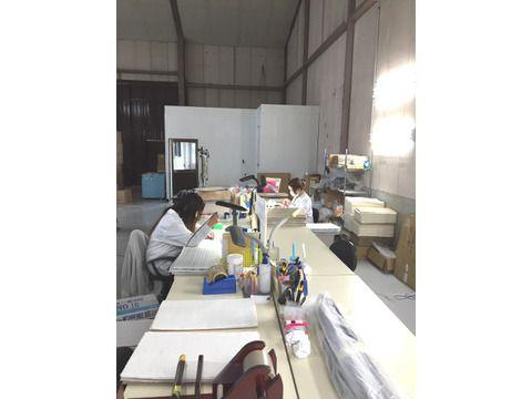 第二工場での検品作業の様子
